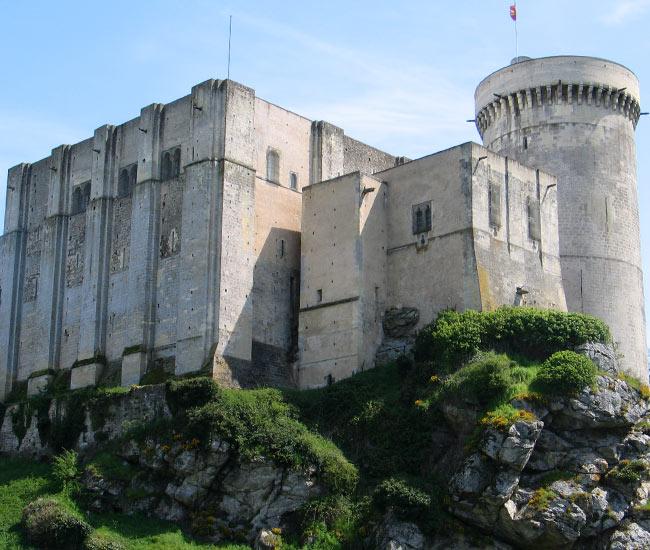 Alentours 18 - Le Chateau de Falaise