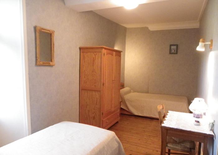 Gîte le Frêne 01 - Chambre avec lits simples