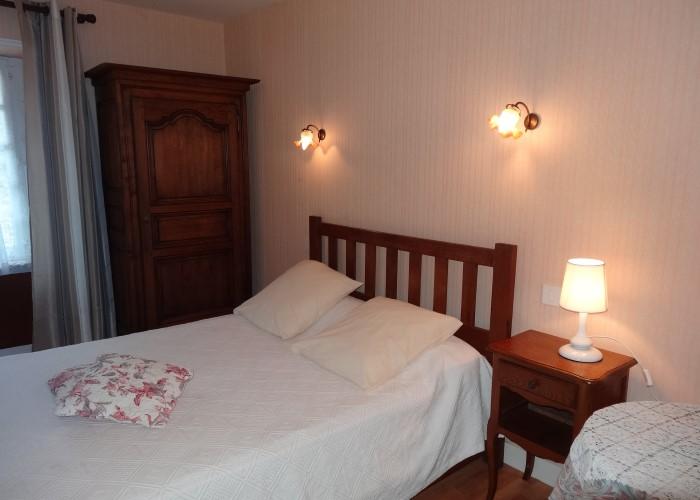 Gîte le Fuchsia 01 - Chambre avec lit double à la Ferme du Vey